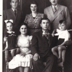 Brousalis family photo, including Ariti and Ted (children), Parents Toula and Vassili (front)